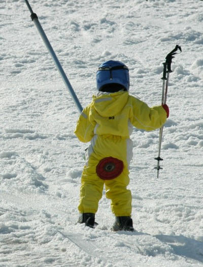 Child Skiing v1
